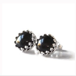 ✨JUST IN✨ 925 SS Onyx Crown Studs